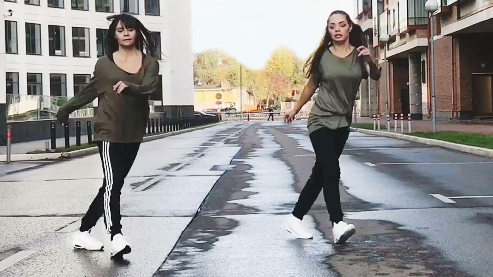 Дина и Надя танцуют Шафл